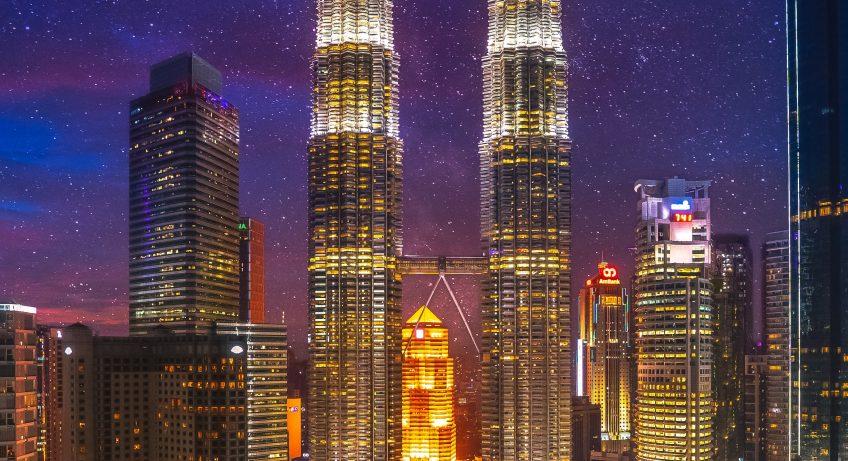 izuddin helmi adnan hAPjYHczkMY unsplash 848x461 - Enjoying Kuala Lumpur: The Best Of The City Full Of Skyscrapers